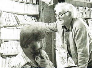 Camilo Otero con su padre Abelardo, en el negocio de Rúa Nova
